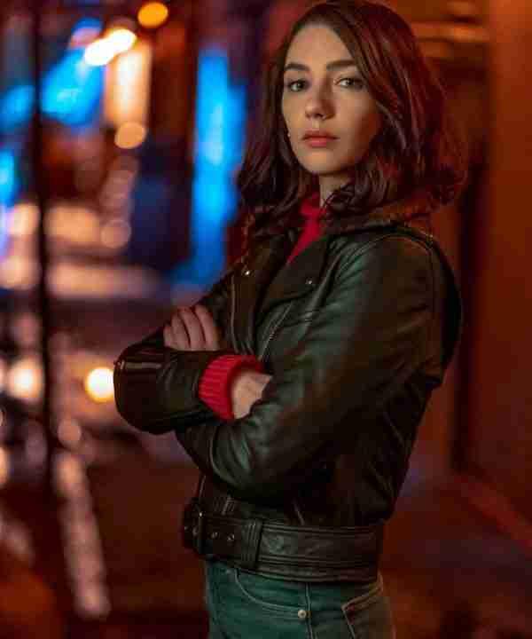 Natalie Dreyfuss as Sue Dearbon wearing a black leather jacket from The Flash Season 06