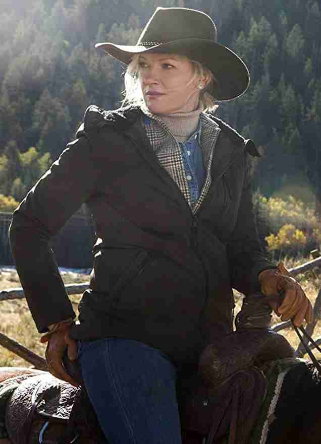 Gretchen Mol as Evelyn Dutton in Yellowstone