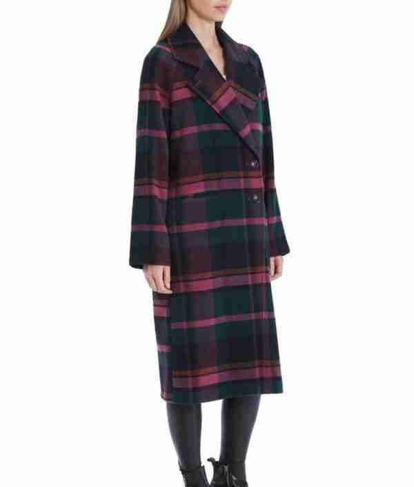 Red plaid trench coat of Veronica Lodge worn by Camila Mendes in Riverdale season 05