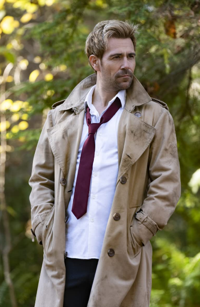 Matt Ryan is a famous actor who is a character in the tv series Legends of Tomorrow in which he plays El Diablo. This coat is a symbol of fashion that all DC fans want.