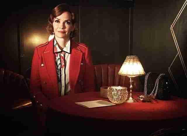 Riverdale-Nathalie-Boltt-Red-Blazer